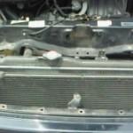 エンジンルームから甘い匂いが! 冷却水漏れでラジエーター交換。